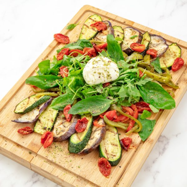 planche à partager pour végétariens composée de burrata